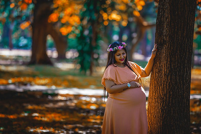 Creative pre-pregnancy or maternity photography for your baby bump
