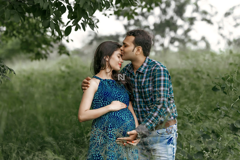 Kiss to eternity - Maternity Photography