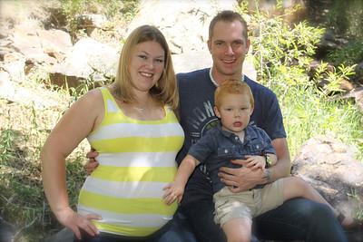 Felicia & Darin Maternity and Newborn