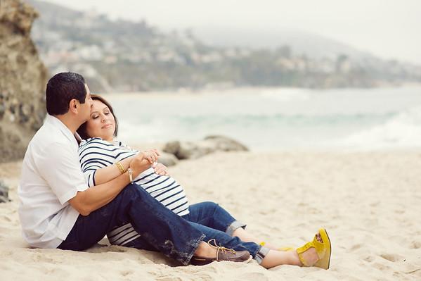 Alba & Carlos: Orange County Beach Maternity Session
