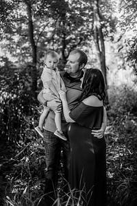 00010©ADHPhotography--Buhr--FamilyMaternity--July26bw