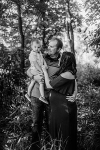 00009©ADHPhotography--Buhr--FamilyMaternity--July26bw