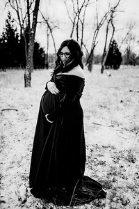 00007--©ADHPhotography2020--Diederich--Maternity--January10bw