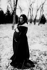 00005--©ADHPhotography2020--Diederich--Maternity--January10bw