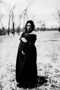 00011--©ADHPhotography2020--Diederich--Maternity--January10bw