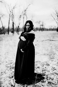 00012--©ADHPhotography2020--Diederich--Maternity--January10bw