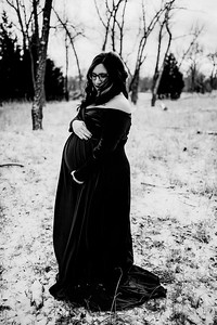 00009--©ADHPhotography2020--Diederich--Maternity--January10bw