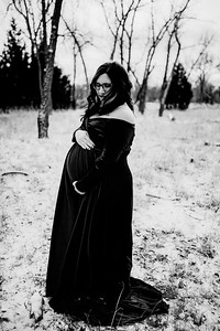 00008--©ADHPhotography2020--Diederich--Maternity--January10bw