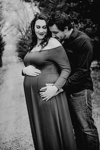 00022--©ADHPhotography2018--AtheanaTimLasslo--Maternity--2018March31