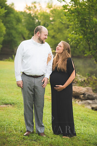 Lindsey and Kevin Maternity -5