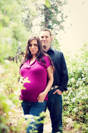 Nicole & Travis - maternity