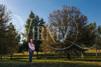 Ruth & Steve - Maternity Preview