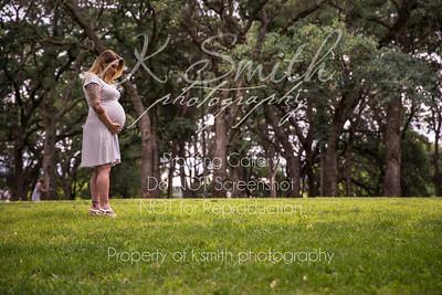 Tiffany_MaternitySession_FairOaksPark_023