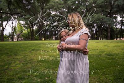 Tiffany_MaternitySession_FairOaksPark_018