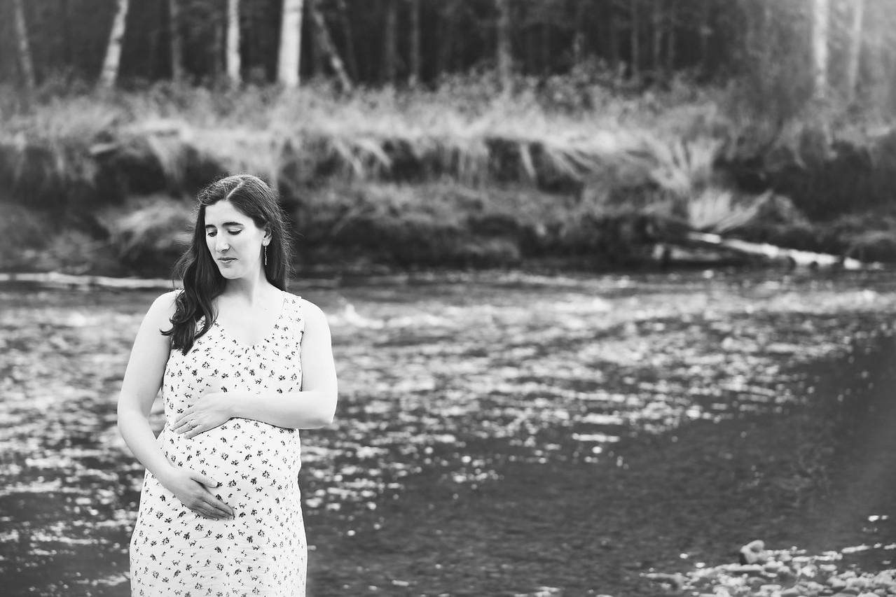 Yeats_Maternity-052717_22 B&W