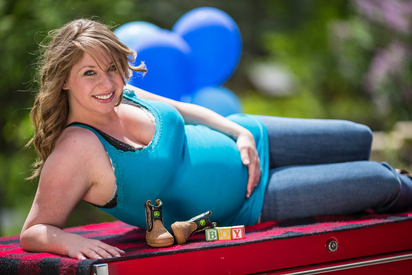 Libby on Snap-on toolbox Maternity portrait