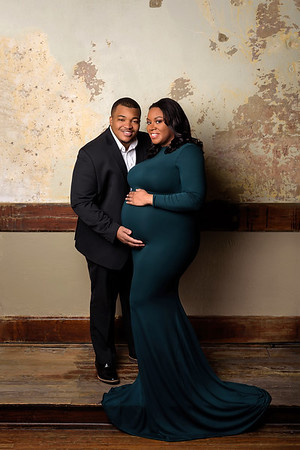 Top Cincinnati Maternity Photographer Black Couple Sew Trendy maternity gown