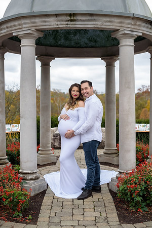 Cincinnati Maternity Photographer white sew trendy gown