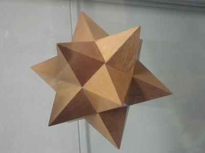 Star polyhedron