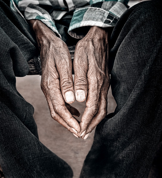 -Christopher Briscoe-hands-04508