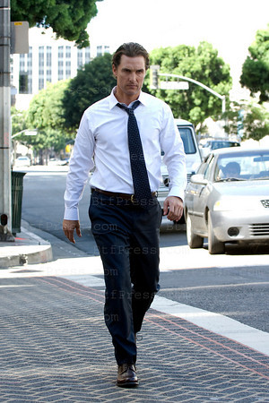 Matthew McConaughey during the set of The Lincoln Lawyer,co-star Ryan Philippe and Marisa Tomei, in downtown Los Angeles.