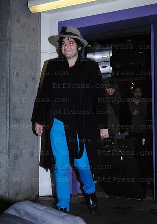Matthieu Chedid arrive a LAX .