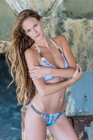 Model Ashley - Bikini photo shoot