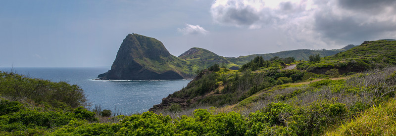 Kahakaloa Head. Click this to view it large.