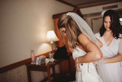 Oahu_weddingPhotographer_Kate_Fretland_-27