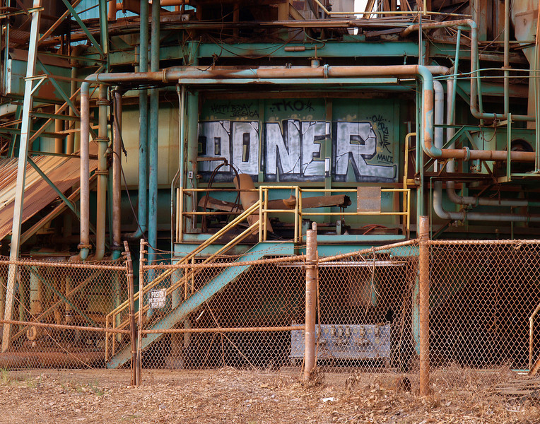 "<p></p><div id=""centered_description"">Pioneer Sugar Mill (demolished in 2006), Lahaina</div>"