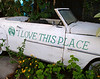 "<p></p><div id=""centered_description"">Old Car Next to Dan's Greenhouse, Lahaina </div>"