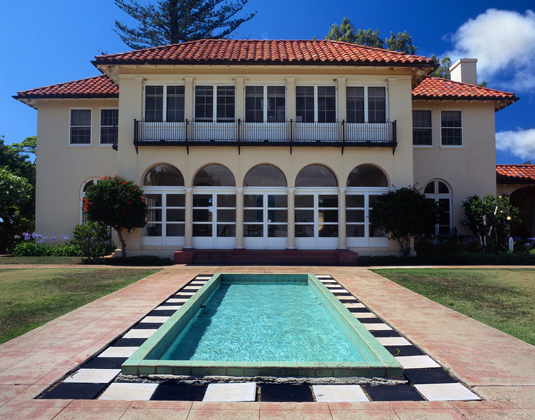 "<p></p><div id=""centered_description"">Baldwin Mansion, Makawao</div>"