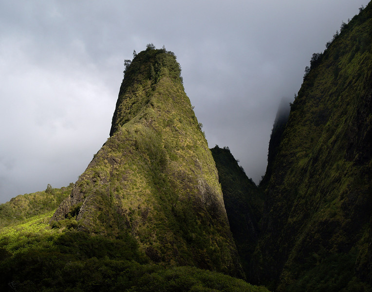 "<p></p><div id=""centered_description"">Iao Valley Needle, Iao Valley</div>"