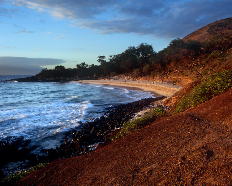 "<p></p><div id=""centered_description"">Little Beach, Makena</div>"