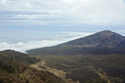 Clouds rolling into the Ko'olau Gap