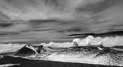 Summit Black/Summit White
