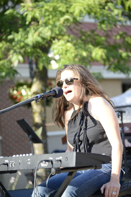 . Linda Kerkau - Morning Sun -   The Max & Emily\'s Summer Concert Series featuring Monique Berry