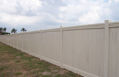 Almond Streaked Lakeland Fence