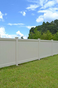 Almond Lakeland Fence with Maxwell Rail