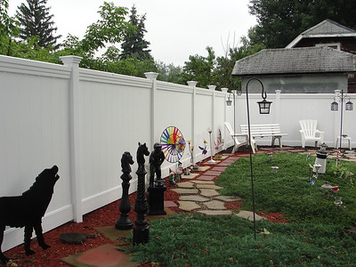 White Lakeland Fence with Maxwell Rail