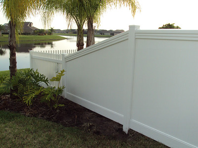 Lakeland Fence with Maxwell Rail and Hampton Straight Fence