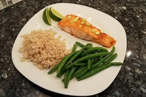 Elyse Conti: Sweet and Spicy Sriracha Lime Salmon with Brown Rice and Blanched Green Beans