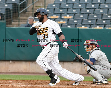 050117  Wesley Bunnell   Staff  New Britain Bees vs the Somerset Patriots on Monday evening. Normal third baseman Jovan Rosa (35) was the night's DH.