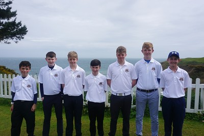 Our Juniors about to go into battle in the  first qualifying round of the Fred Daly Trophy against Greystones - 13th May 2017                   James - Jonathan - Conor - Andrew - Sean - Chris - Stephen