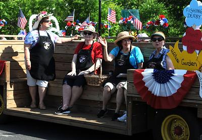 5/26/2018 Mike Orazzi | Staff The Kensington Garden Club during the Berlin Memorial Day Parade on Saturday along Farmington Avenue.
