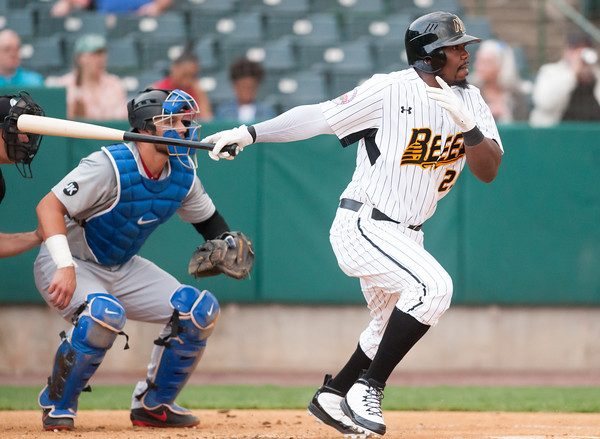 05/04/18 Wesley Bunnell | Staff The New Britain Bees held opening night at New Britain Stadium on Friday night against the Road Warriors. Right fielder Jamar Walton (23).
