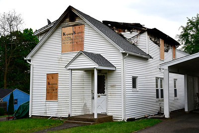 5/17/2019 Mike Orazzi | Staff A Plainville man injured in a house fire Thursday has died, according to a hospital spokesman. Stephen Androwski, 45, was taken to the Connecticut Burn Center at Bridgeport Hospital after a fire broke out at his home, at 20 Fairbanks St., around 10:20 a.m. On Friday morning, a spokesman for Bridgeport Hospital said Androwski died Thursday night.