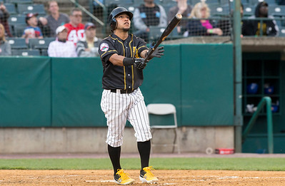 05/24/19  Wesley Bunnell | Staff  New Britain Bees vs the High Point Rockers on Friday night at New Britain Stadium. Alexi Amarista (2) watches a deep fly ball as it goes foul.