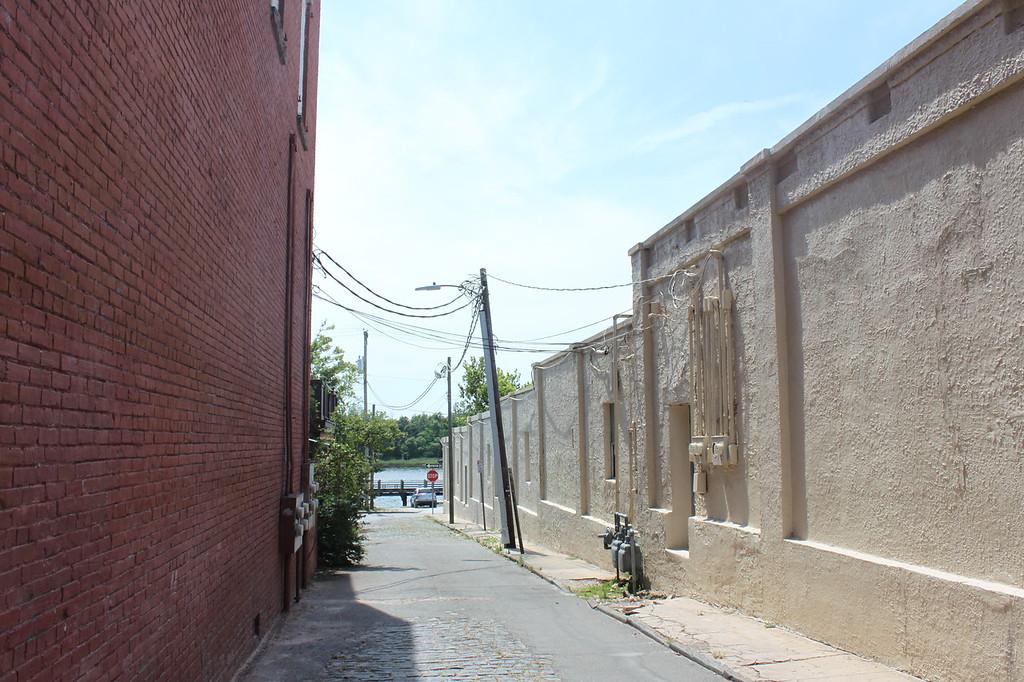 Wilmington alley