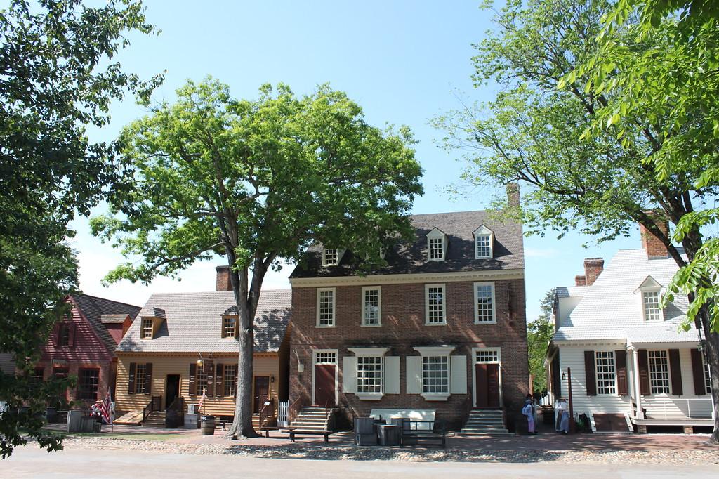 Colonial Williamsburg brick buildings